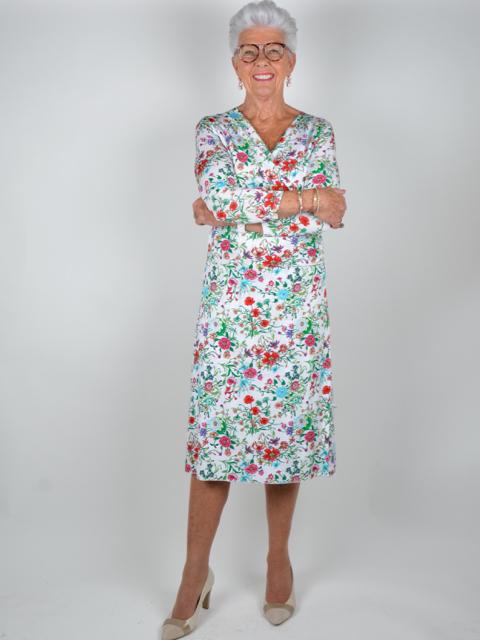 Denna vecka har vi valt ut klänningar som vi tycker passar till både  kostymbröllop och finare sommarfest. Plagg som är både ålders- och tidlösa. 9c7634f191737